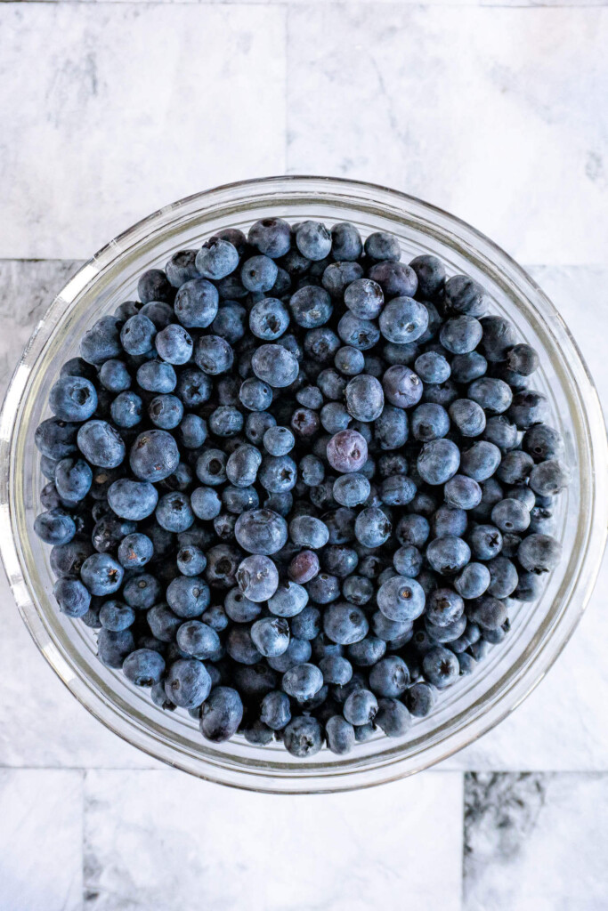 A bowl of fresh blueberries.