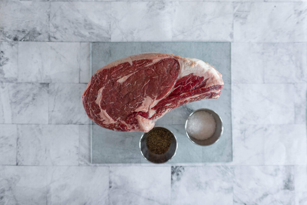 Ingredients required for sous vide prime rib.